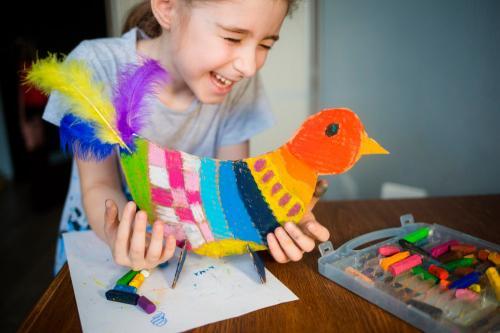 10 actividades muy sencillas para que los niños liberen energía en casa