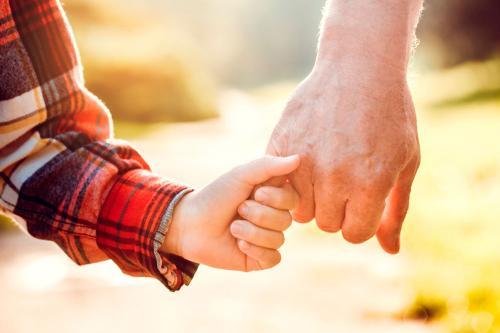 Alzheimer: Cómo ayudar a los más pequeños a sobrellevar la enfermedad en un familiar