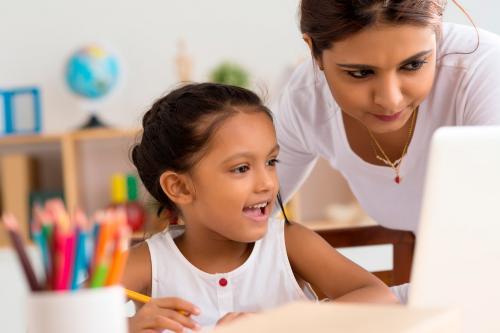 Cómo ayudar a que los niños hagan sus tareas solos: 20 consejos prácticos