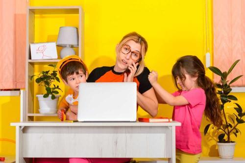De Má a Mamá: Cómo lidiar con la educación a distancia y no morir en el intento