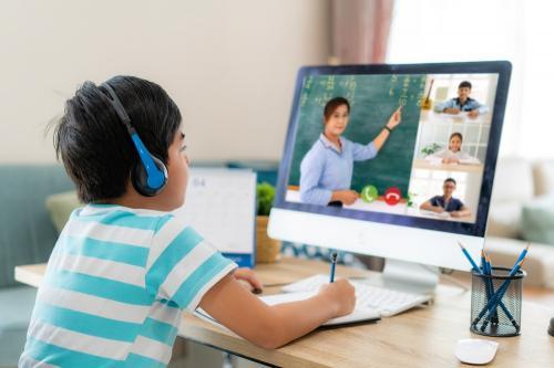 La importancia de enseñar a tus hijos el respeto a los maestros
