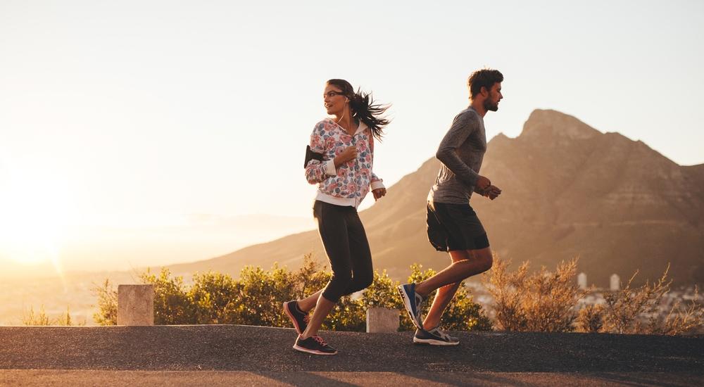Ponte retro: ¿sabías que correr hacia atrás es un gran ejercicio?