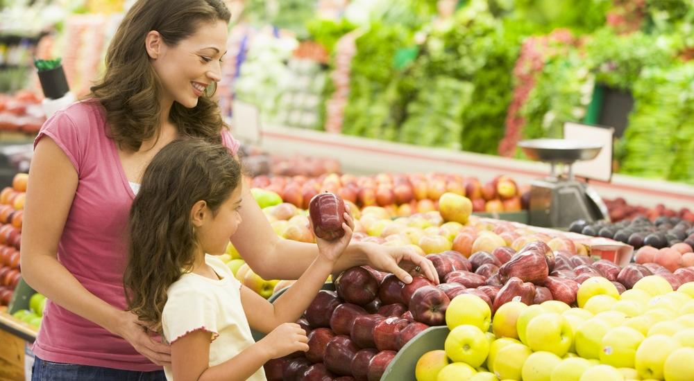 ¿Cómo asegurarte de que a tu hijo no le falte ningún nutriente?