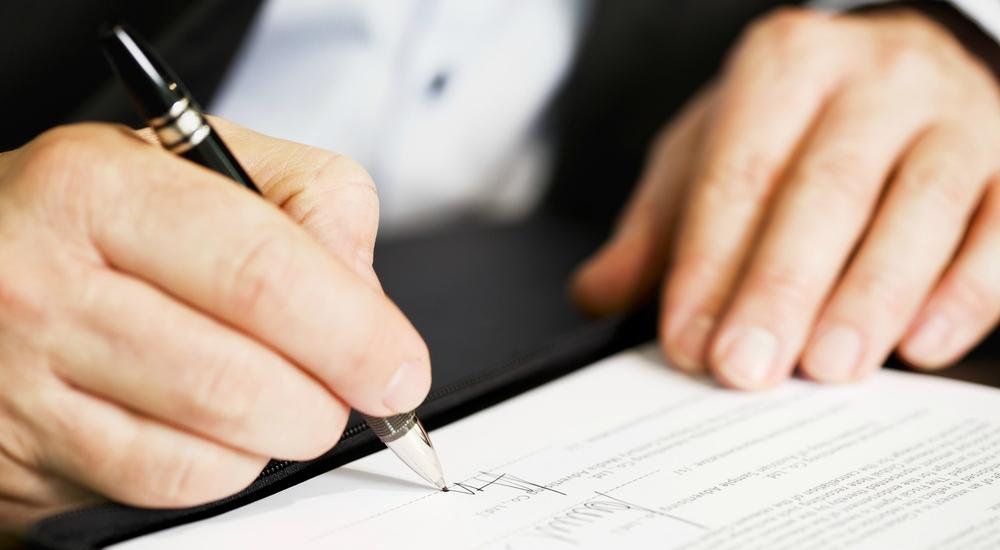 Ten en cuenta estos tips antes de firmar un contrato