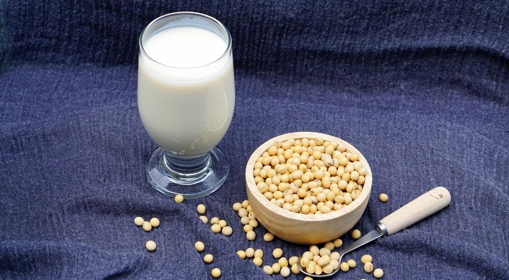 ¿Cuál es la leche vegetal más saludable? Te lo explicamos