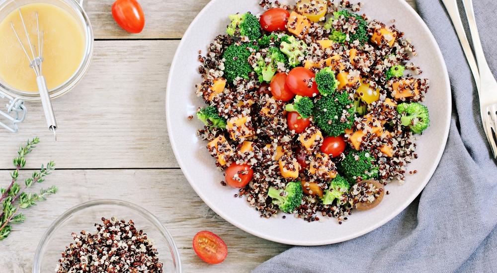Cinco almuerzos llenos de proteína para preparar en 20 minutos