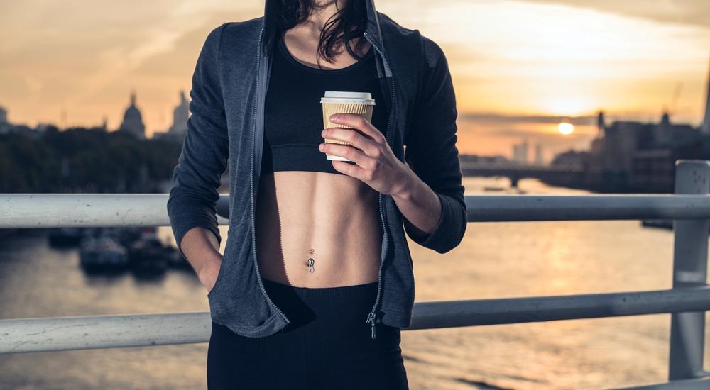 ¿Debería tomar café antes de ejercitarme?