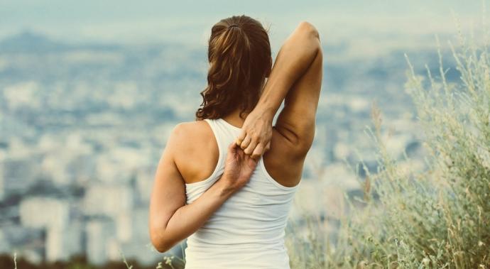 4 ejercicios para prevenir y calmar el dolor de espalda