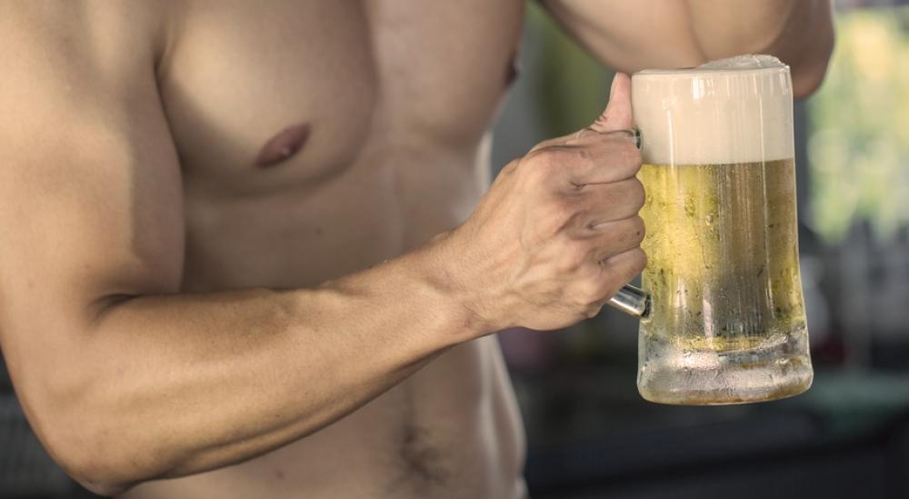 Cerveza después de hacer deporte: ¿es aconsejable?