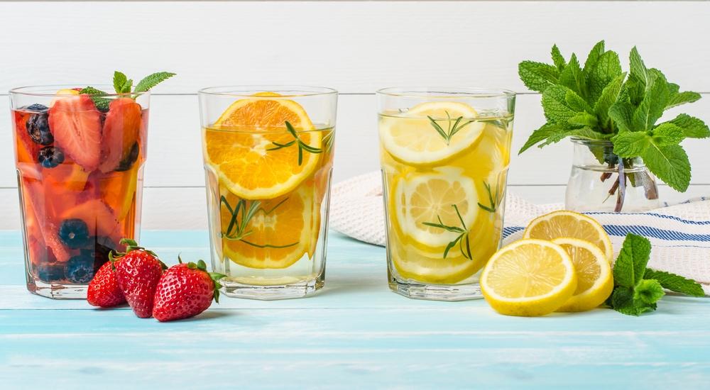 Cinco infusiones heladas con frutas para refrescarte sanamente