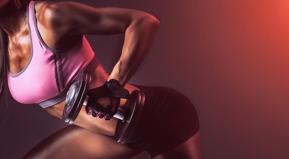 Fortalece tus brazos de manera sencilla con estos ejercicios
