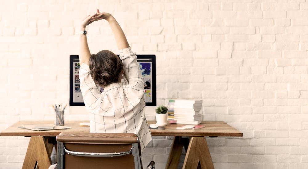 Todos de pie: pararte de tu escritorio puede reducir el azúcar en tu sangre