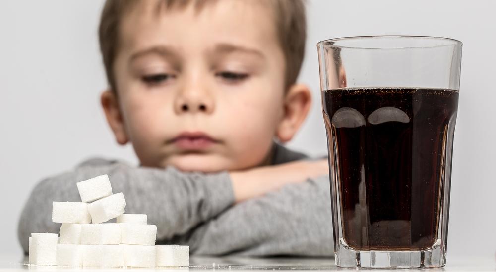 ¿Cuánta azúcar debería consumir un niño al día?