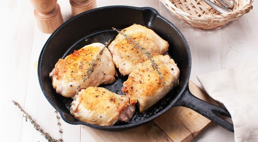 Lavar el pollo antes de comerlo no sirve de nada