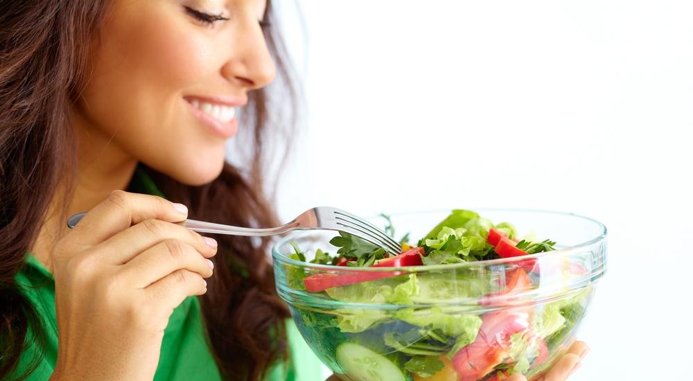 Tal vez no te gustan las ensaladas porque no has encontrado la ideal para ti: te enseñamos a prepararla