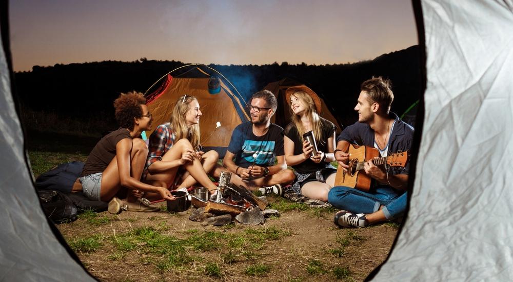 Acampar fuera de la ciudad más seguido puede mejorar tu calidad de vida