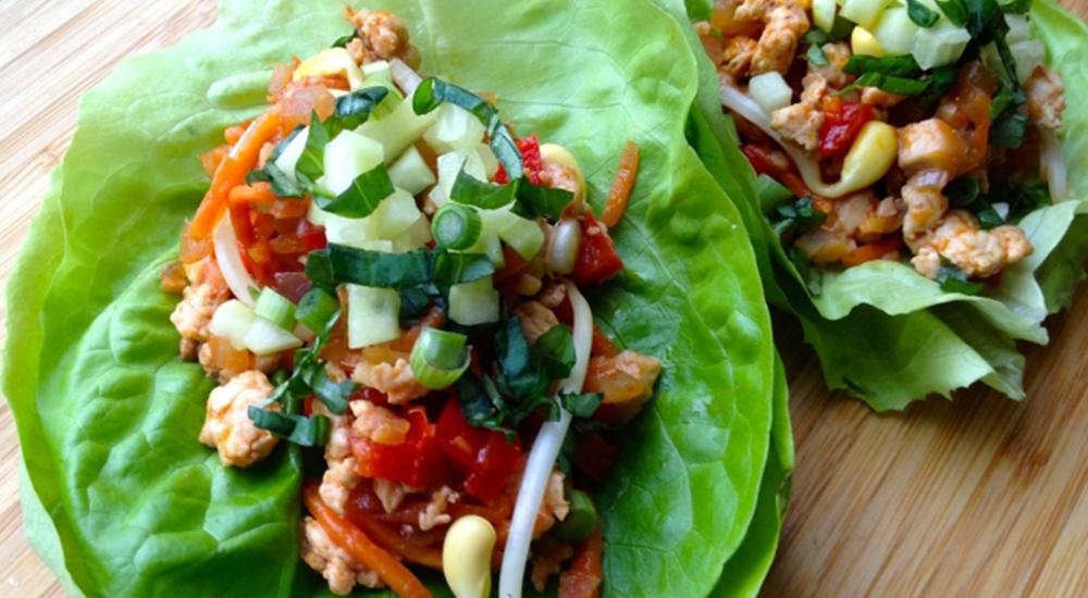 Tacos de lechuga con lentejas