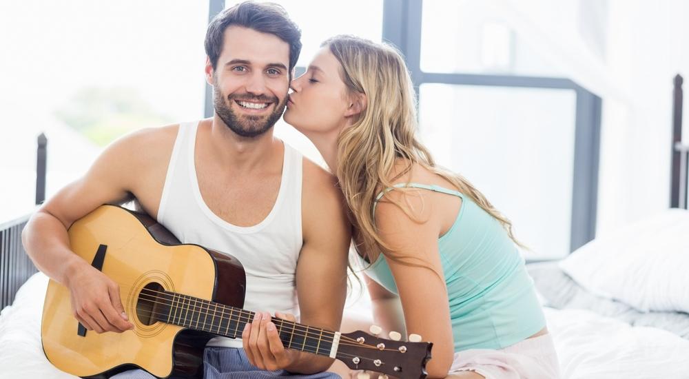 El sexo mejora con música: la ciencia lo confirma