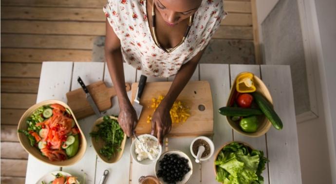 Cómo comer mejor sin romper la alcancía