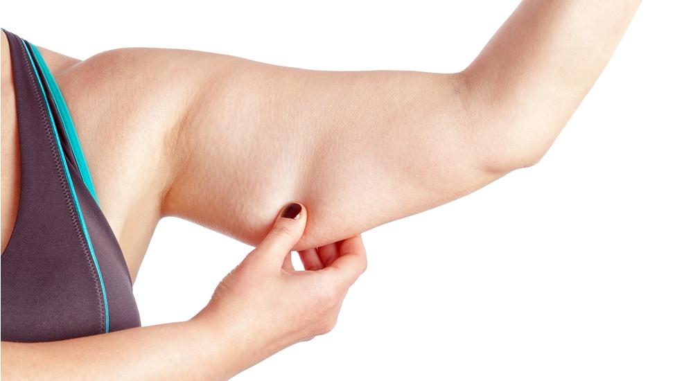 Cómo tonificar esa parte 'difícil' de los brazos (tú sabes cuál)