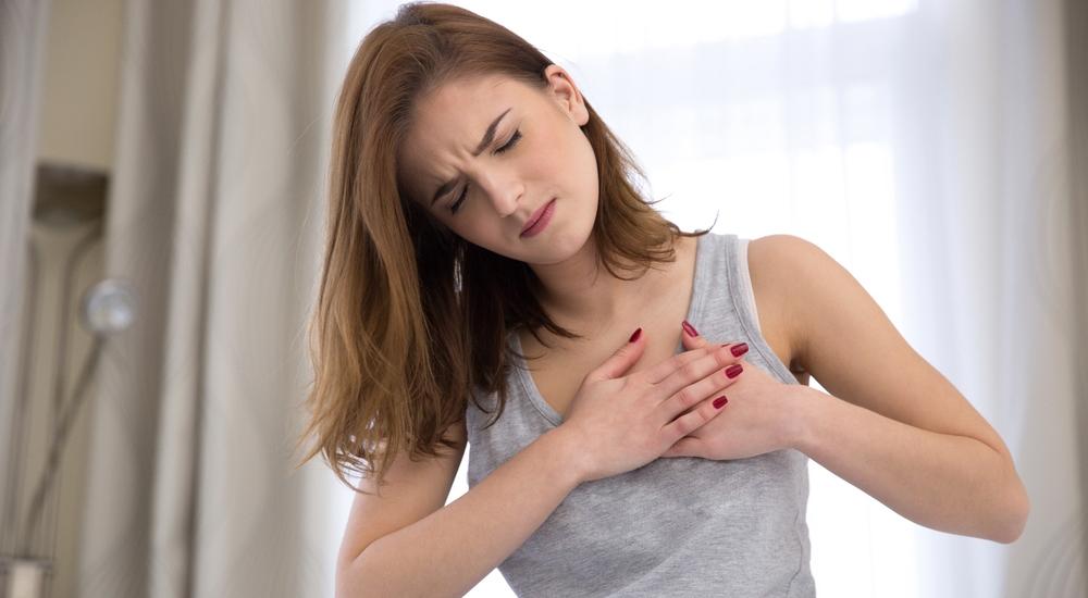 ¿Tienen las mujeres infartos más severos que los hombres?