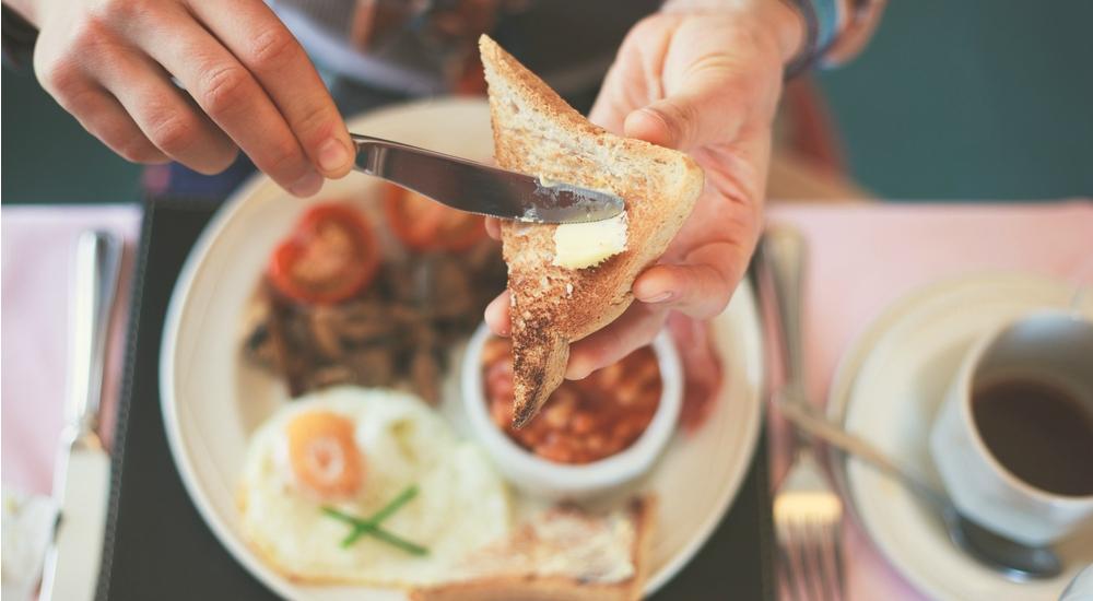 Escucha a tu corazón: males cardíacos son más frecuentes en quienes no desayunan