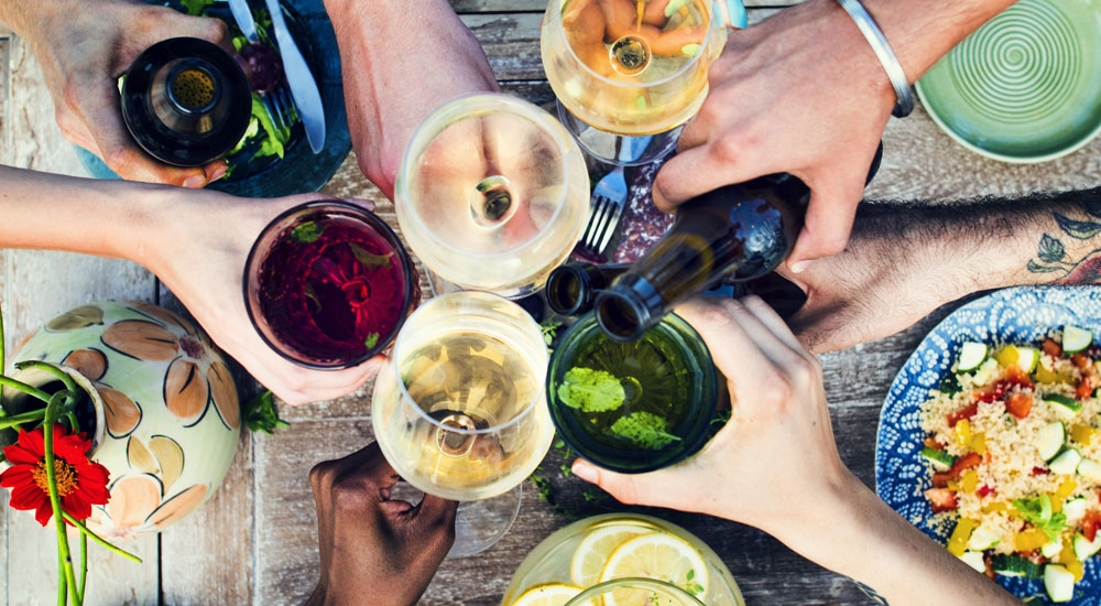 ¿Es bueno beber durante las comidas?