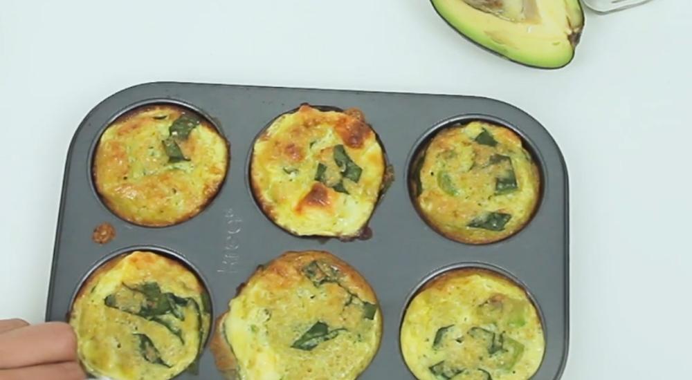Muffins de quinua, queso y espinaca