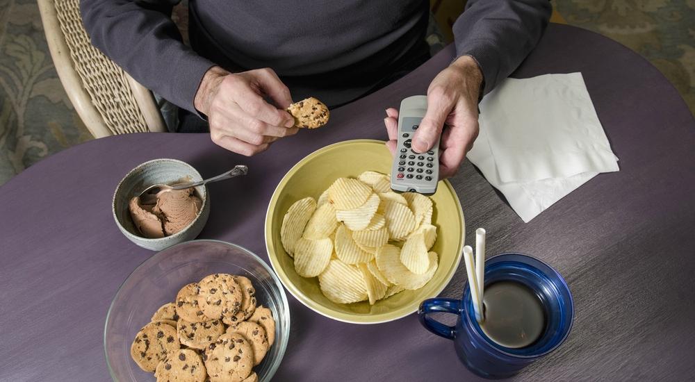 6 trucos para silenciar esa falsa sensación de hambre