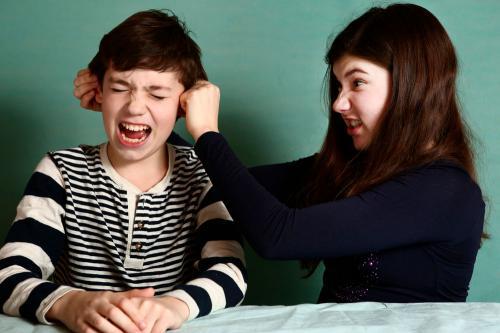 Qué hacer cuando tus hijos no dejan de pelear